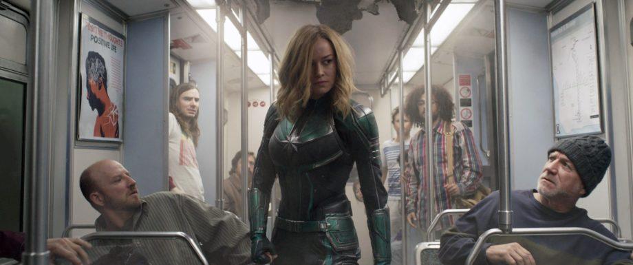 """Żadnego trzepotania rzęsami. O """"Kapitan Marvel"""""""